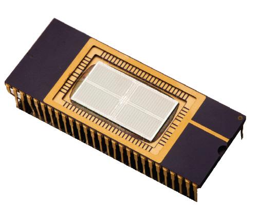 삼성전자가 출시한 세계 최초의 64M D램 메모리 반도체. /사진젝제공=대한민국역사박물관
