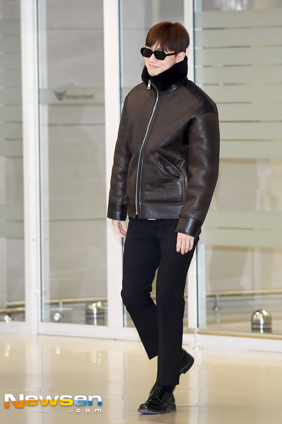 <p>Actor Park Seo-joon this photo shoot and 2 17, PM Incheon Jung-operation in Incheon International Airport through immigration.</p><p>This day, Park Seo-joon, this Arrival point on.</p><p>Meanwhile Park Seo-joon is the year the movie Lion(Director Kim Joo Hwan) the opening ahead. Lionis the father to a lost wound a fighting champion 'the Dragon'(Park Seo-joon)the priests 'inner you'(Ahn Sung-ki)to meet the world of a powerful evil(惡)to fit in, its.</p>