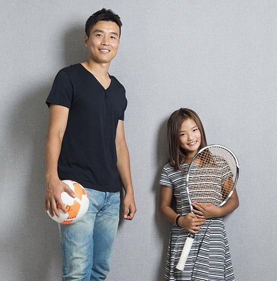 프로축구 전북 공격수 이동국(왼쪽)과 테니스 선수인 딸 재아. 전북 공격의 선봉장인 이동국처럼 재아도 공격적인 테니스를 펼친다. [사진 테니스 코리아]
