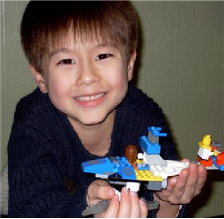 - 일본 자녀 납치 문제 해결을 위해 결성된 국제비영리단체 BACH(Bring Abducted Children Home·유괴된 아이들을 데려오자)의 제프리 모어하우스 이사가 일본인 전 부인에게 불법으로 빼앗긴 아들. 모어하우스는 아들을 데려오기 위해 일본에서 소송을 진행하고 있다. 2019.2.22 ASIA TIMES 제공