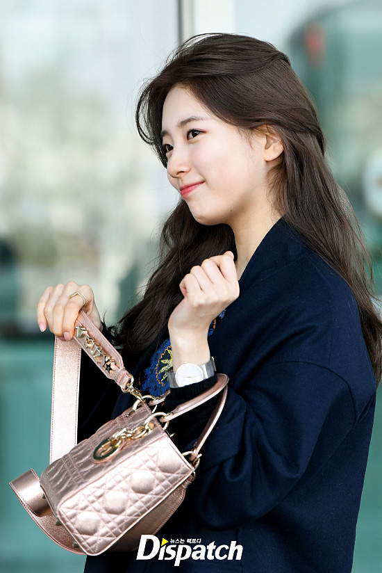 <p> Singer and actress Bae Suzy brand collection to participate in the 24 afternoon Incheon International Airport via Paris, France as a departure.</p><p>Bae Suzy is the day his name engraved on them, and have been held here.</p><p>My name is?</p><p>A sense of self introduction</p><p>Proud of you.</p>