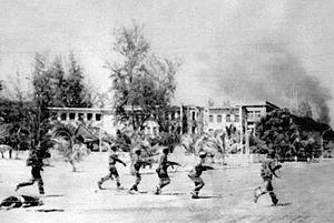1978년 12월 15일 친중국가 캄보디아를 침공한 베트남군이 이듬해 1월 초 프놈펜에 진입하고 있다.[위키피디아]