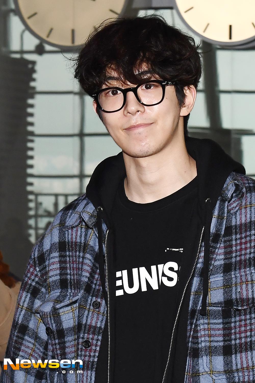 <p>Actor Nam Joo-hyuk, this 3-November 1st, Incheon Jung-operation in Incheon International Airport through '2019 Nam Joo-hyuk fan meeting Bangkok(2019 NAM JOO HYUK FANMEETING IN BANGKOK)' schedule to attend a car Bangkok, Thailand with departure.</p><p>Actor Nam Joo-hyuk, this Bangkok, Thailand with departure.</p>