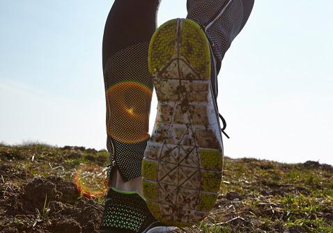 아침에 30분만 걸어도 혈압을 낮출 수 있다. /사진=클립아트코리아