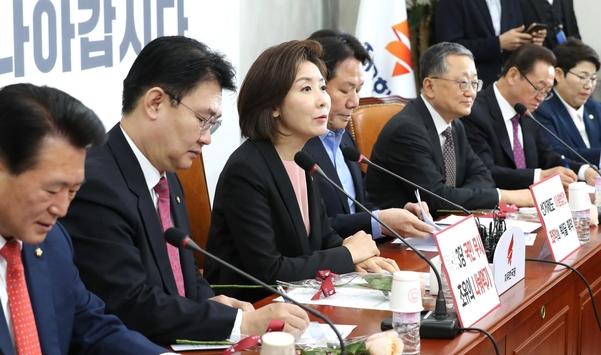 """한국당 """"선거제 패스트트랙 처리 추진하면 의원직 총사퇴 불사"""""""