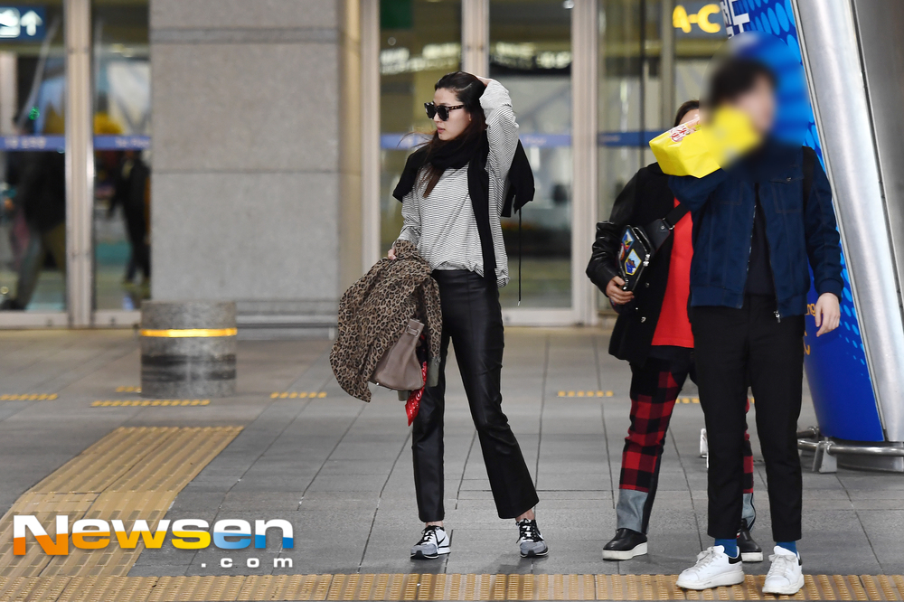 <p>Actress Jun Ji-hyun 3-8 PM Incheon Jung-operation in Incheon International Airport through overseas schedules and entry.</p>