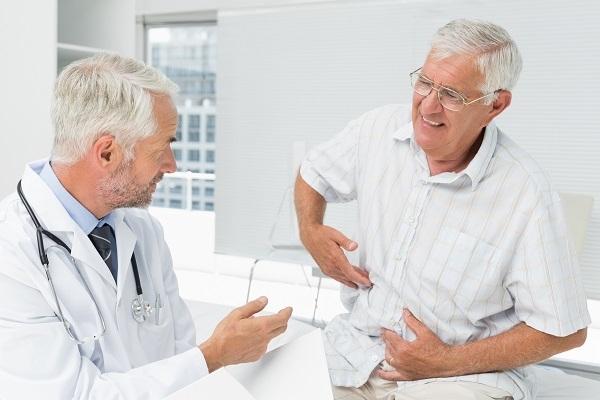 고령자는 신체회복능력이 떨어지고 질환, 약물, 음식 등으로 의해 콩팥이 제기능을 못할 수 있어 알맞은 식습관과 질환에 대한 치료, 정기적인 콩팥기능검사 등이 필요하다. (사진출처=클립아트코리아)