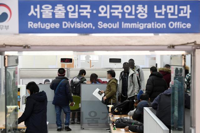 [외국인 정책 이대로 좋은가] '난민소송' 작년에만 1,598건..3년새 20배 늘어 사법력 낭비[알피엠 토토|스타 카지노]