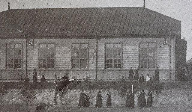 1919년 3·1운동 당시 경성여고보 교사. 현 서울노인복지센터(종로구 경운동 90)가 자리한 곳으로 당시 학교 정문은 운현궁을 마주 보고 있었다. 사진 출처 '경기여고100년사'
