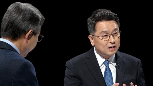 """'썰전' 이철희 의원 """"버닝썬 사태, 핵심은 권력층의 개입"""""""