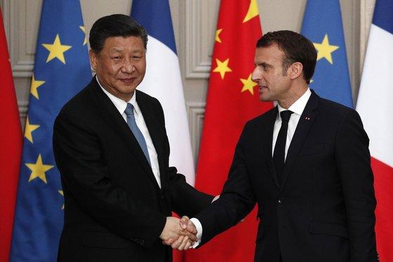 시진핑 주석은 마크롱 대통령과의 정상회담에서 45조원 규모의 경협 계약을 체결했다. [EPA=연합뉴스]