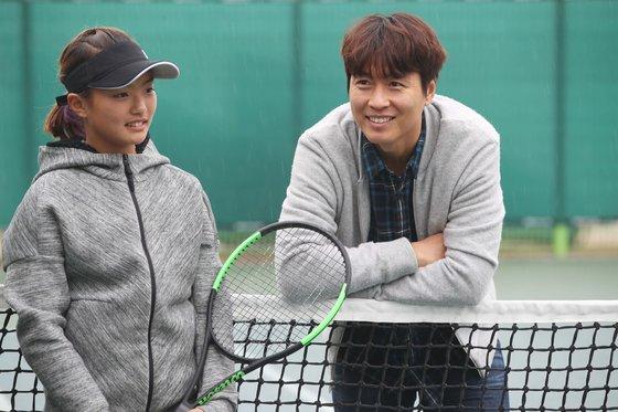 만능스포츠맨 이동국은 요즘에는 재아와 테니스대결에서 진다고 했다. 인천=오종택 기자