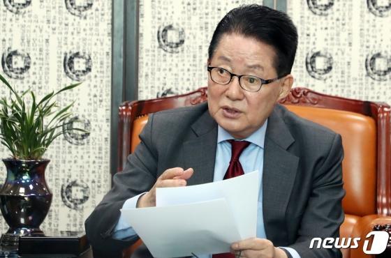 박지원 민주평화당 의원이 28일 서울 여의도 국회 의원회관에서  김학의 전 법무부 차관의 CD 동영상 관련해 기자간담회를 하고 있다. / 사진제공=뉴스1