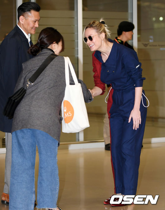 <p> The movie 'The Avengers:End Game(The Avengers: Endgame)' starring Brie Larson(Brie Larson)13 dawn of Incheon International Airport No. 2 passenger terminal, through immigration.</p><p>Actress Brie Larson will enter the market.</p>