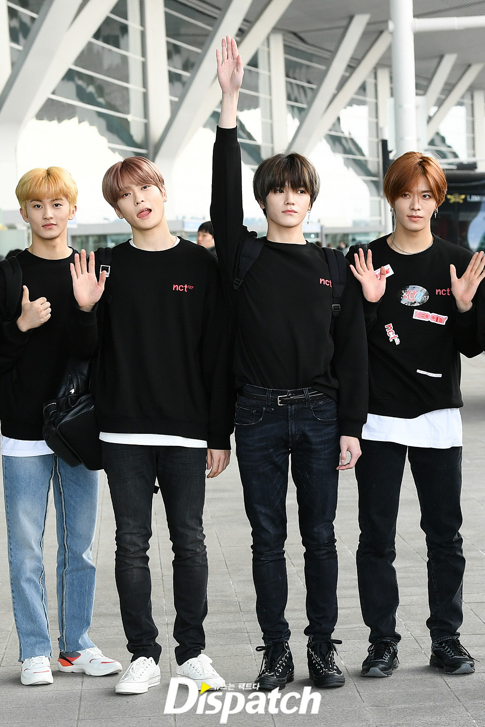 <p> NCT127 Born This World Tour for 16 afternoon, Incheon International Airport, the United States through New York departure.</p><p>Born this day in the Beagle already brimming with reviews. Covering of the Camera, and V posing and departure.</p><p>Sculpture Walk.</p><p>Charisma, put</p><p>The Ruff equivalent of a visual</p>