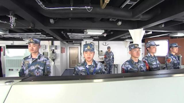 【서울=뉴시스】 17일 중국 국영 중앙(CC) TV가 자국 두 번째 항공모항이자 첫 국산 항모인 '001A'의 해상 시험 영상을 이례적으로 공개했다. 해상시험이 진행되는 모습. <사진출처: CCTV> 2019.04.18