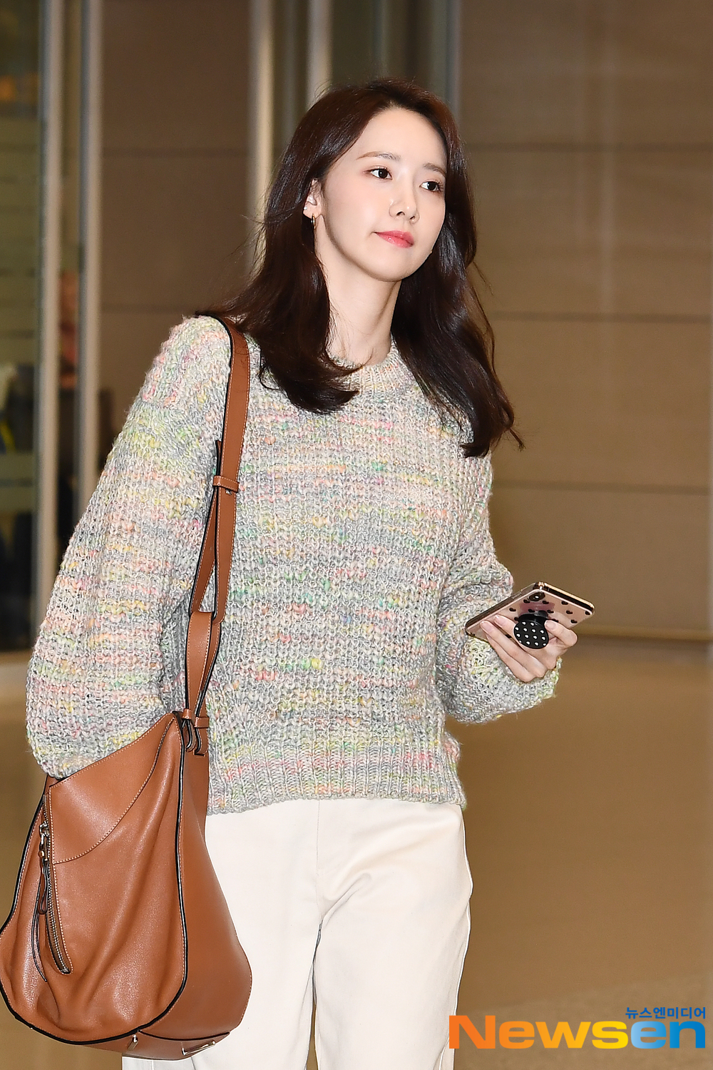 <p>Girls Generation(SNSD) member Im Yoon-ah(YoonA)4 23 afternoon, Incheon Jung-operation in Incheon International Airport through overseas schedules and entry.</p><p>Girls Generation(SNSD) member Im Yoon-ah(YoonA)entry.</p>