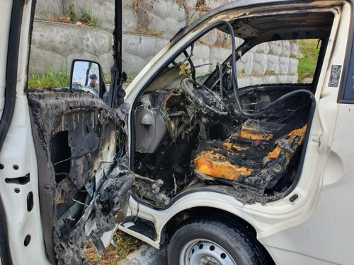 수소가스 화물차로 운전 연습하다 옹벽과 충돌..차량에 화재[S 토토|lte 토토]