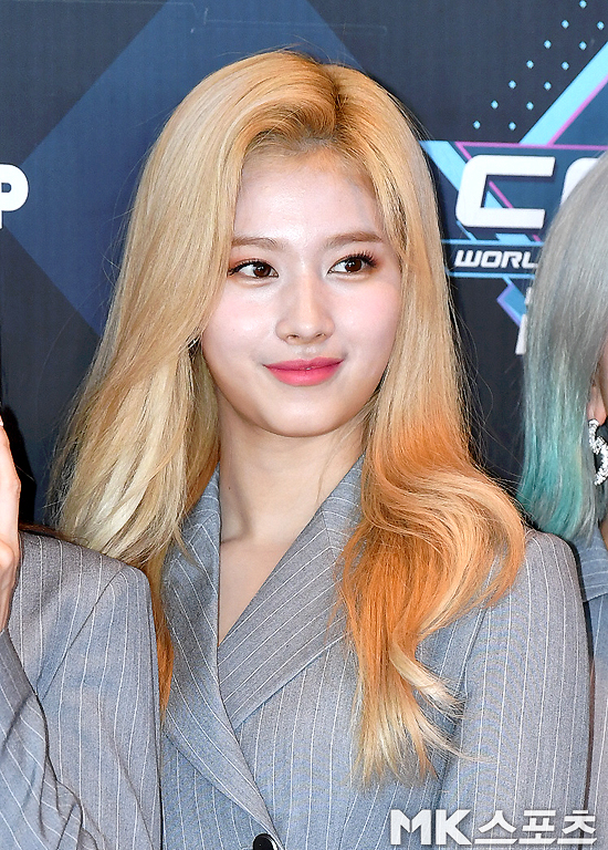 <p>Mnet M Countdown camera rehearsal 2 afternoon Seoul Sangam-Dong CJ E&M center in progress.</p><p>Within a group you are a member of Sana with M attend the rehearsal to pose.</p>