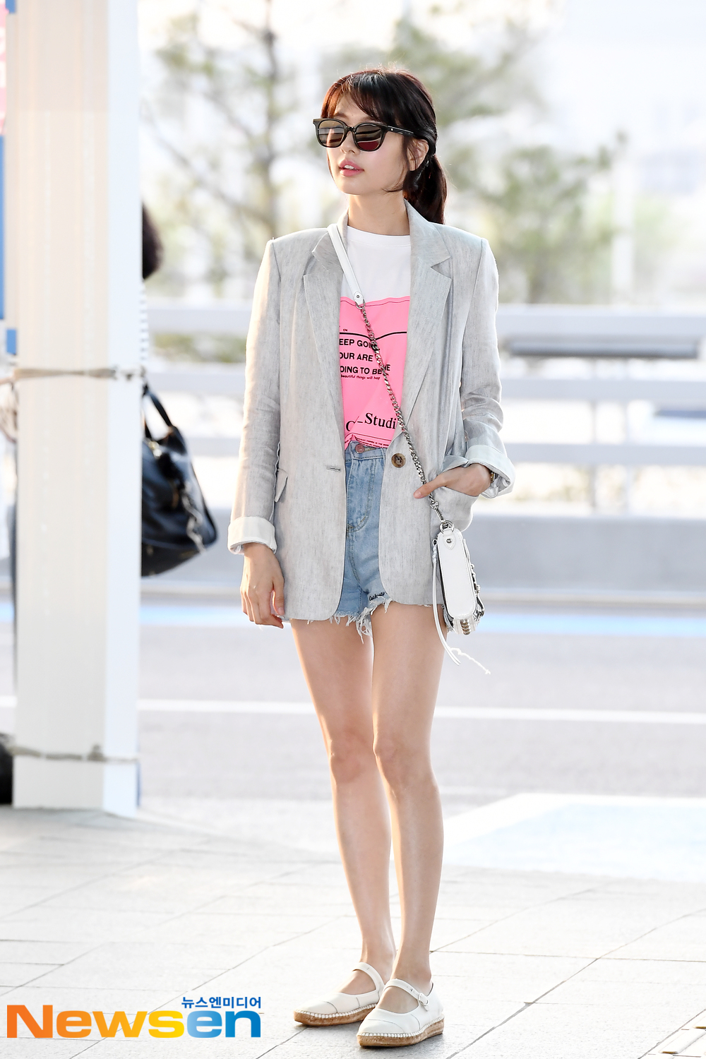 <p>Actress Jung So-min 5 month 3 days afternoon, Incheon Jung-operation in Incheon International Airport through fashion magazine photo shoot car Hawaii Honolulu Departure.</p><p>Actress Jung So-min In this Airport fashion, and Hawaii Honolulu Departure.</p>