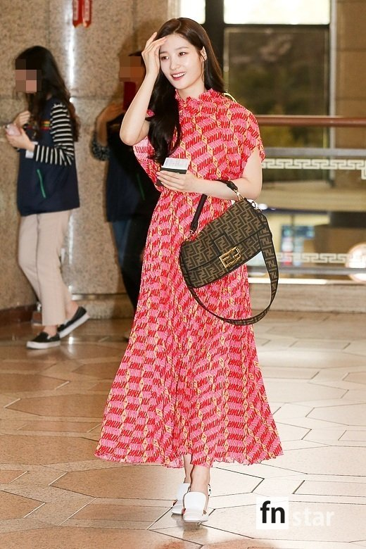 <p>Actor and other members Jung Chae-yeon this 8 afternoon in Tokyo, Japan, held an event to attend car Gimpo International Airport through your departure.</p><p>※ Copyright ⓒ</p>
