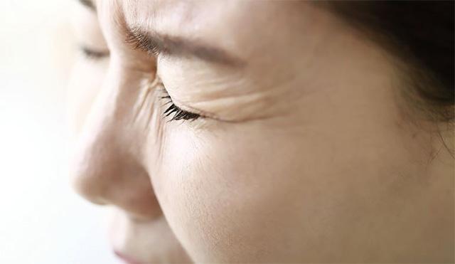 눈 밑 떨림이 오래 지속되거나 다른 증상과 동반된다면 질병의 신호인지 확인해볼 필요가 있다./사진=클립아트코리아