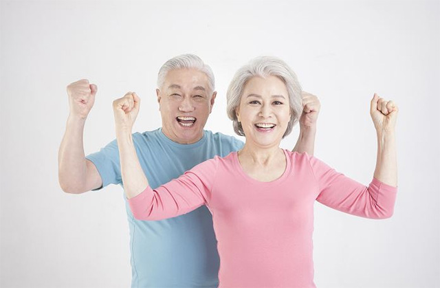 건강하게 나이 들기 위해서는 노화 방지에 도움 되는 생활습관을 유지하는 것이 중요하다./사진=클립아트코리아