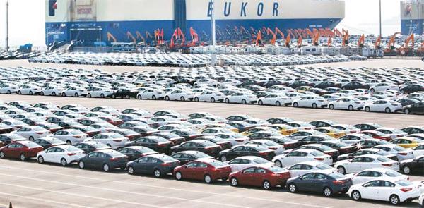 16일 미국이 25% 자동차 관세 조치에서 한국이 제외될 것이라는 관측이 나오면서 현대·기아차가 한숨 돌릴 수 있게 됐다. 사진은 평택항 수출부두.  [매경DB]
