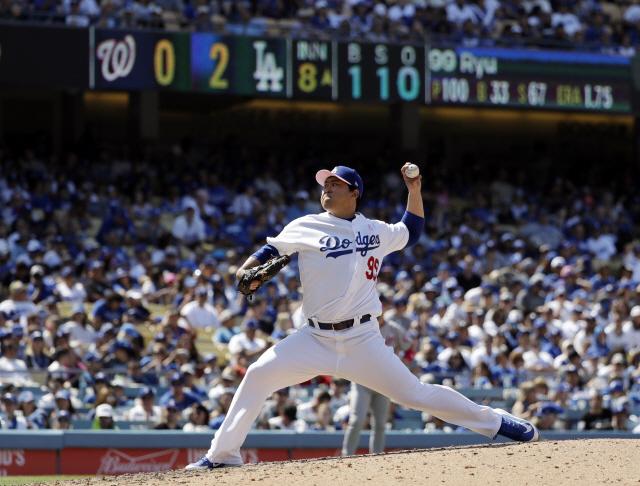 LA 다저스 류현진이 오는 20일(이하 한국시각) 원정에서 상대할 신시내티 레즈는 올시즌 부진하다. 지난 13일 워싱턴 내셔널스전에서 힘차게 공을 던지고 있는 류현진. AP연합뉴스