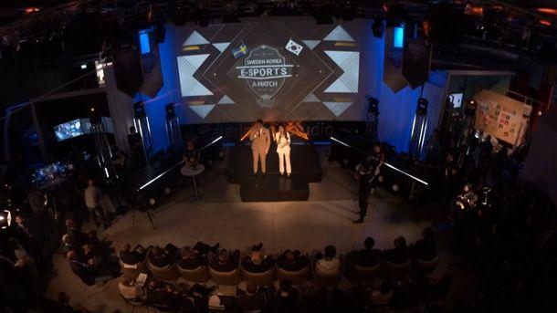 스웨덴 에릭슨 스튜디오에서 개최된 서머너즈워-리그오브레전드 친선전 장면.(사진=네이버TV)