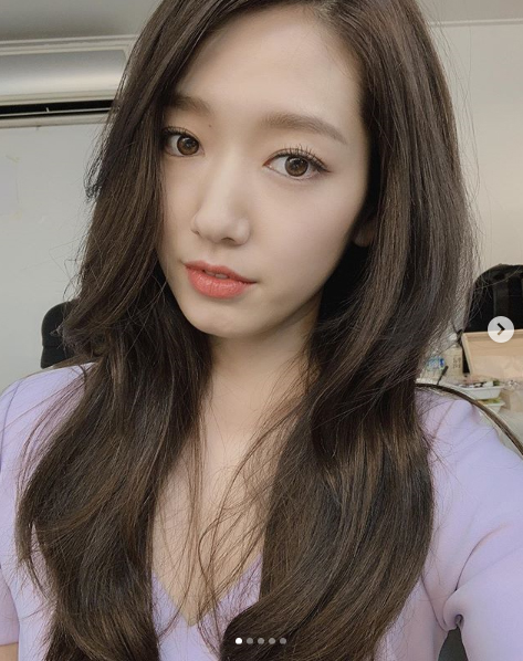 <p>Park Shin Hye is 19, his Instagram is suede, leather box, alcohol box~! What the shooting did toI post with the pictures showing.</p><p>Public photo belongs to Park Shin Hye I or smiled a beautiful, Beautiful looks for the best choice.</p><p>Meanwhile, Park Shin Hye recently in the movie Ashley Coles shooting finished.</p>