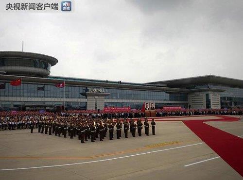 시진핑 환영 의식을 위해 대기 중인 북한 의장대 [CCTV 캡처]