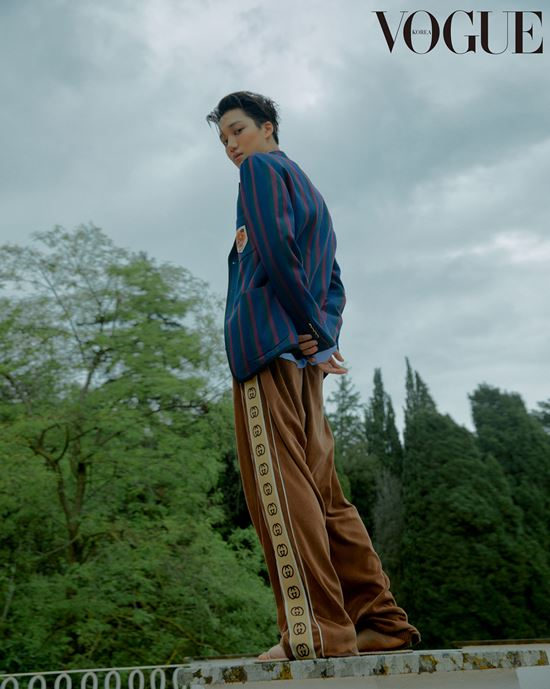 <p>21, Vogue Korea via EXO Kais pictorial was unveiled.</p><p>Kai houndstooth pattern adorns the coat and pin dots pattern set, blue - red striped jacket with patch detailing of brown cotton pants, perfect for recording Gaze attracted.</p><p> Meanwhile, Kai is the last month of Rome, Italy, Capitol and Art Museum(the Capitoline Museums)opened in Gucci 2020 Cruise fashion show in Korea as the representative to attend the group.</p>