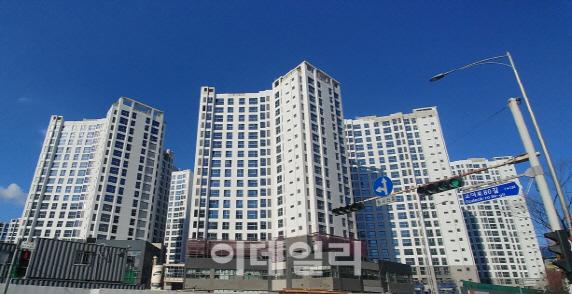 서울시내 건축 중인 한 아파트 단지(사진=이데일리 DB)
