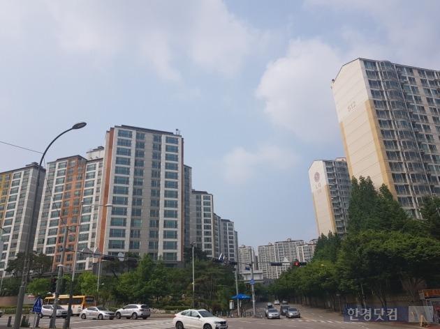용인 수지구 신봉동 일대의 아파트 단지 전경(사진 김하나 기자)