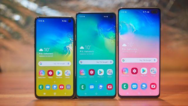 삼성전자의 내년 프리미엄 스마트폰은 펀치 홀 대신 풀 디스플레이를 채택할 것으로 전망된다. 사진은 삼성전자의 갤럭시S10 시리즈.(사진=씨넷)