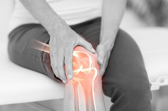 건강한 노년을 보내려면 뼈 건강에 유의해야 한다./사진=클립아트코리아