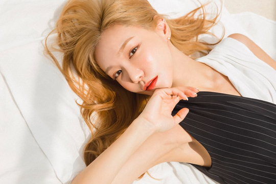 """<p>Actress Shin So-yul this cute and adorable The Image in Stripping, sexy and alluring, all of the Content released a photo.</p><p>Shin So-yuls Agency a global measure 7, November 4, Shin So-yuls Content the official post in public.</p><p>In the photo, Shin So-yul up to now, showed cute and lovely, The Image Stripping and stylish, chic as expressions as did. Shin So-yuls bright blonde hairstyle also attracted attention. Bright hairstyle is sunshine and helpful description, and, dreamlike Express to a large role.</p><p>Public Content photoshoot is sexy - alluring - elegant - chic variety outfit befits Shin So-yul, only the attraction of strutting wide appeal to know about.</p><p>Shin So-yul is a fit body in a fit of dot mini dress, wearing a beautiful line exposed. Lightly A Smile Day and, while usually a seductive eyes to look even. Shin So-yul of 'sexy'to the newly created and taken all the admiration of leading here.</p><p>Usual style into the Shin So-yul is ready, comes the striped dress and wearing sunglasses and a whole summer to Express my intentions.</p><p>Company side """"with a Shin So-yuls a special charm to the screen than on the researchers. Seeing all of these strange but fascinating look in admiration that""""this, he said.</p><p>Shin So-yul is a sequel to reviewed said.</p>"""
