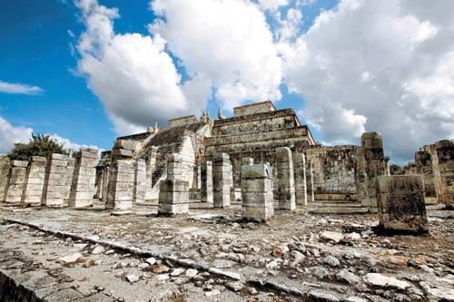 마야 유적지 '치첸이트사' 멕시코 동부 유카탄 반도에 있는 마야 유적지 '치첸이트사' 내의 사원(아래). 연합DB