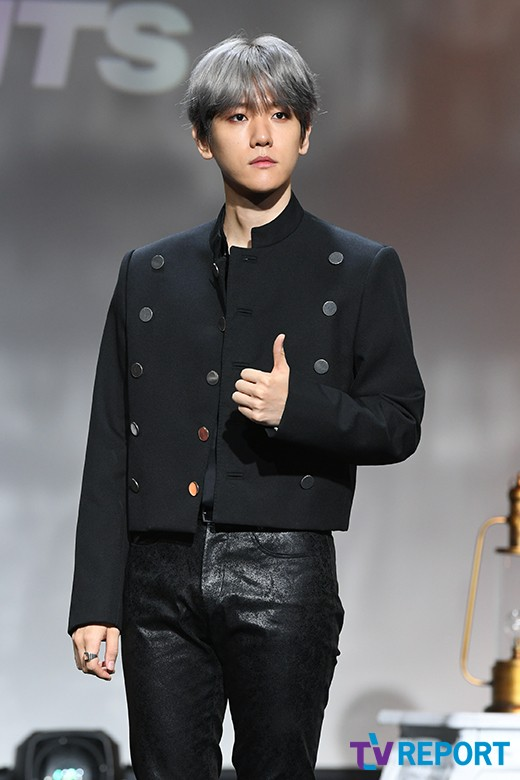 <p> The group EXO(EXO)s Baekhyun, this 10 Afternoon Seoul Gangnam-GU Samsung-Dong SAC Art Hall opened in the first solo album City LightsDrama City Lights) release commemorative showcase posing in it.</p><p>Baekhyuns first mini album, 'City Lights(Drama City Lights)'is the title song 'UN Village'(UN village), including to 'Stay Up'(stage-up), 'Betcha'(the alphabet train), 'Ice Queen'(ice Queen), 'Diamond'(Diamond), 'Psycho'(psycho) total 6 songs organized into Baekhyuns outstanding vocals and sensual music the world can meet.</p>