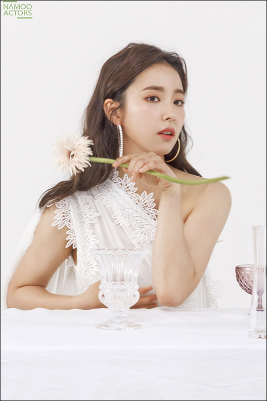 <p>Actress Shin Se-kyung In this pictorial, such as the steel was introduced.</p><p>MBC new MBC Wednesday-Thursday evening drama a new Museum for the commandto return to Shin Se-kyungs beauty, filled with the steel revealed no, this attention.</p><p>Reveal the steel is the craftsmancalled formula and matching Shin Se-kyung of colorful cotton if they wound up there. Especially dazzling brightness from the urban ambience of the city by far, Shin Se-kyung has in the attraction is a Sight for overwhelming enough.</p><p>Shin Se-kyung is a variety of poses and natural Sight treatment into a sensual pictorial for that, of course, all the concept to fully digest and changing the look to show me the scene was on the staff of I found myself admiring words.</p><p>Photo shoot with an interview in the theater comeback film, a new Museum for the command forShin Se-kyungs sincere thoughts that could be heard.</p><p>Read the script and hadto work on the special affection that the, for Japan itself is very fresh and neat it. Each of the characters attractiveness shining as they gathered debt within the ensemble are also expected to work onlive to see theirs desire to stimulate.</p><p>Shin Se-kyung as well as prospective viewers up to the player makes the new pipe to commandis the second half of this year, bring the audience enjoyed it. Pole of hes first female officer to command by turns, until now, she did not feel was exhilarating fun will.</p><p>Shin Se-kyung starring MBC new MBC Wednesday-Thursday evening drama a new pipe to commandis 17 Afternoon 8: 55 minutes first broadcast.</p>
