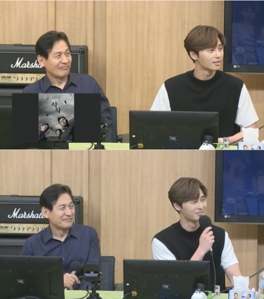 """<p>Actor Park Seo-joon this abs Exposure burden on others.</p><p>16 broadcast of SBS Power FM 'two escape TV Cultwo Show'in the film 'Lion' starring actor Park Seo-joon, Ahn Sung-Ki as a guest appeared.</p><p>This day, Park Seo-joon is Lionin the martial arts champion dragon after the role was introduced. Park Seo-joon is the old drama in the Fighter, character digested right for you. Then put in a comparatively short time in preparation to have been able to,he said.</p><p>DJ Kim Tae Kyun, """"this time in the abs you can see that because""""and expect to Park Seo-joon is """"what will change the work I do willingly. For as long as the muscle is soon they dont. Best for you,""""said laughed.</p><p>For listeners to """"Park Seo-joon seeds in the neighborhood shooting that saw. Aunt they enter the thoughts inside the husband who haunt the out of state occurred. Our husband also to start exercising more,""""said the Smoking spent.</p><p>This special DJ only residents are Park Seo-joon in """"laugh pain, and the other would say,""""to laugh, I found myself in.</p><p>Ahn Sung-Ki, Park Seo-joon this focused breathing movie Lionis a fighting champion 'for later'(Park Seo-joon)family, the priests 'inner you'(safe enough)to meet the world into a chaos strong evil(惡)to fit in the story painted. Coming 31, opening it.</p><p>Photo  SBS video radio capture</p>"""