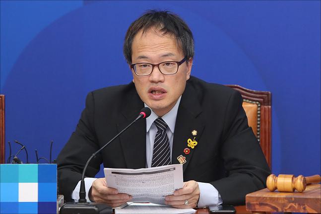 박주민 더불어민주당 최고위원이 15일 오전 국회에서 열린 더불어민주당 최고위원회의에서 발언을 하고 있다. ⓒ데일리안 홍금표 기자