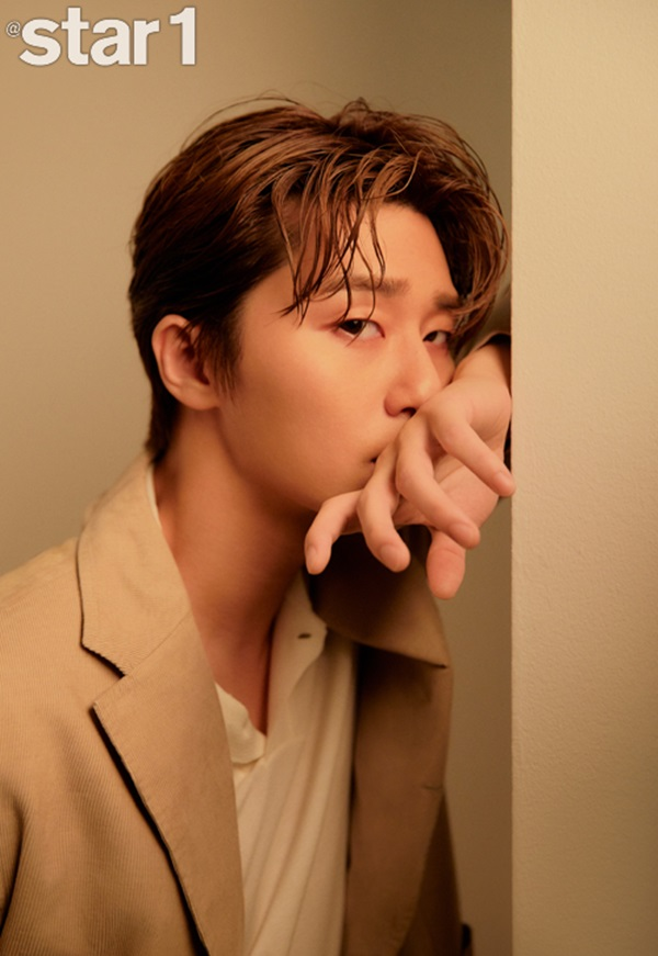 <p>The movie Lioncome back to the Actor Park Seo-joon the Star&Style magazine together, 2019 8 July foil cover to garnish.</p><p>The property, Park Seo-joon is Rocco showed in the soft look and Manly charm with a heart has been captured.</p><p>Park Seo-joon is a movie Lionon the screen a comeback ahead and set the feelings did not hide. Especially Park Seo-joon thinks that the movie Lionis asked what is the buddy movie called would like to,he answers, and action, and in addition to the various point that have movie added.</p><p>Also this movie in that Actor Choi Woo-shik the special appearances for Holiday me and (most)of our food with each others work appeared on over Acting quality seeds and representation to hear that Acting to enter and playfully stroke was,he replied.</p><p>Park Seo-joon is a parasitein short appearances, but the impact that role as Bong Joon-Ho the Director in the aura that have a Actor called plain to hear, was also. In Park Seo-joon is undeserved praise is thanks to thefew days I wonder where the serving Bishop of the shooting scene briefly I can feel was a great experience,he replied. His parents as well as in the helpful moment and considered him.</p><p>Showbiz a variety of hookup, Park Seo-joon in a hand to emerging people asked about the UK directly from only one of friends wasa few days (hand)interested people are in Seoul during the exercise were togetherand I was.</p><p>Always New want to try that Actor Park Seo-joons pictorial and candid interview at Style magazine 2019 8 November in the city.</p><p>Photo provided=at style</p>