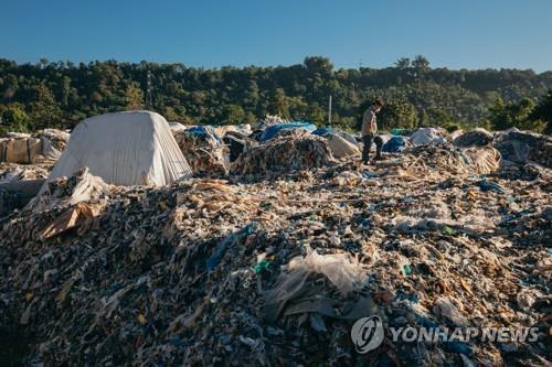 필리핀에 불법 수출된 한국발 플라스틱 쓰레기