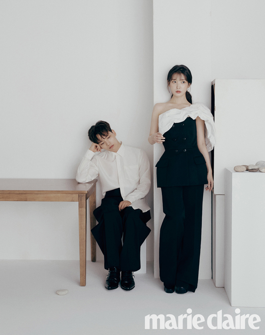 <p>Lee Ji-eun Yeo Jin-goo with a pictorial in the fantasy of the case to the debt resolved.</p><p>The topic of the KBS Drama Special tvN Hotel Del one day the two main characters Lee Ji-eun and Yeo Jin-goos charming pictorial and interview with Marie Claire 8, was unveiled in.</p><p>Hotel del or throughfirst time acting as a Breath to the right, Marie Claire 8 through the first pictorial together, taken that the two actors are the first to say this, but a perfect harmony had.</p><p>In an interview, Lee Ji-eun and Yeo Jin-goo is a stranger to nature, but until some way to get close to one was worried that cute distressed to confide, and now is the Breath regarding thinking, not really acting as a good fit between was and said.</p><p>Also always confident that the hotel corner as sung(Yeo Jin-goo)and 1 thousand years of time to live, and received wounds to the depths of the mind on the hidden tomb of a long month(Lee Ji-eun minutes)when properly acting in order to think and studied the story before us the</p>