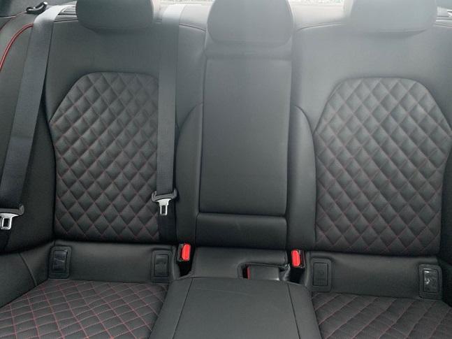 시승차량인 가솔린 3.3 터보 스포츠의 내부 퀼팅 패턴 ⓒ데일리안