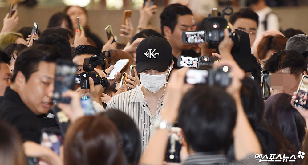 <p> Group EXO Sehun the SMTOWN LIVE in 2019 in TOKYO to attend the car 2 days afternoon Gimpo International Airport to Japan through into the Departure was.</p>