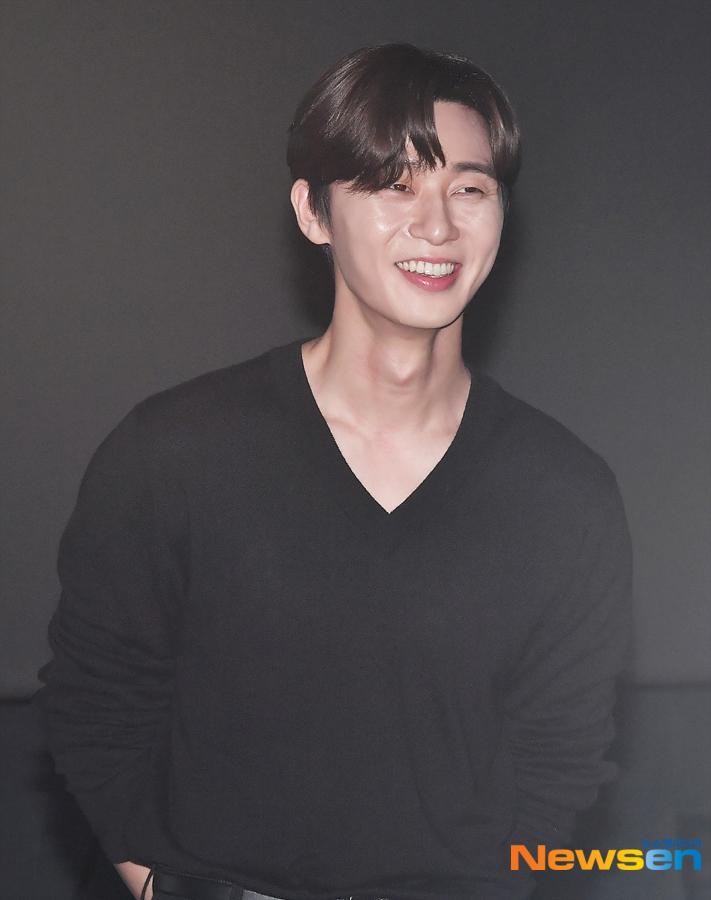 <p>The movie Lion stage is 8 November 4 Lotte Cinema Lotte Mart in Brown.</p><p>This day, the Actor Park Seo-joon, Ahn Sung-Ki,Jung JI-Hoon,Kim Joo hwan Director attended.</p><p>The filmLionThe Exorcism stories as a genre A of on action, fun,fighting champion and actually meet evil in its ways.</p>