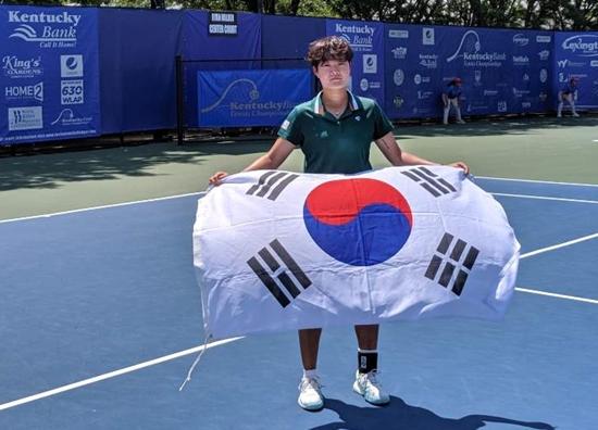 켄터키뱅크챔피언십 우승을 차지한 김다빈. 사진= 인천시청 테니스단 제공